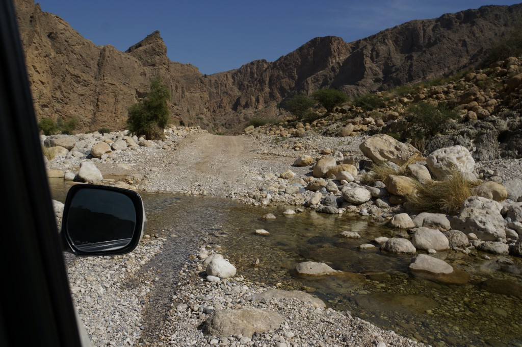 Offroad im Wadi im Oman