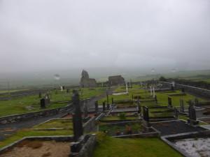 Alter Friedhof in Irland im Regen Old graveyard in the rain