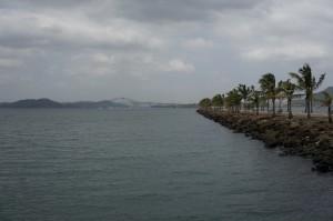 Blick von der Isla Naos auf die Einfahrt zum Panama Canal