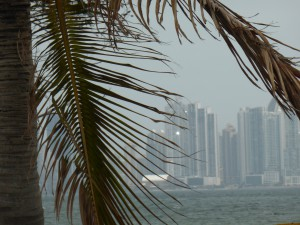 view from (Blick vom) Amador Causeway to / auf Panama City