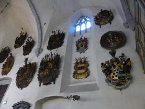 Wappenschilde in der Domkirche