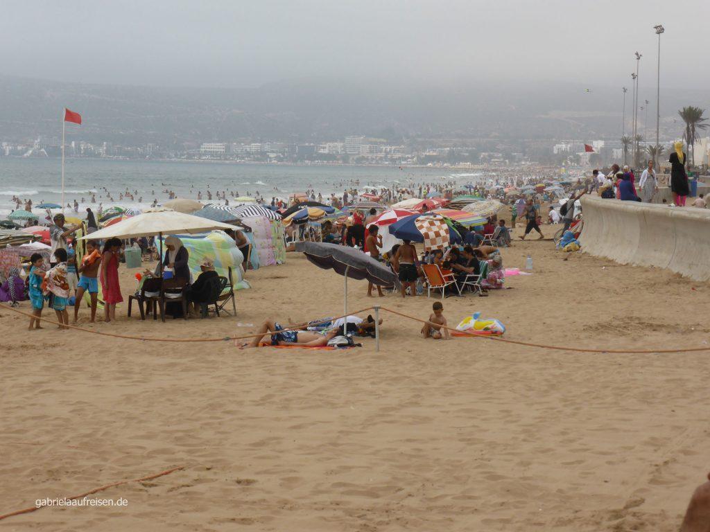 Strand von Agadir im August