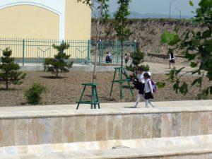school kids in shahrisabz