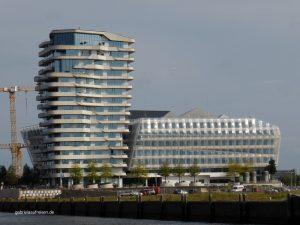 neue Häuser im Hamburger Hafen, in der Hafen City
