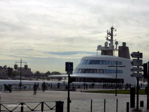 Billionairs yacht at the Gironde in Bordeaux