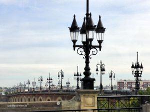 eine Brücke in Bordeaux