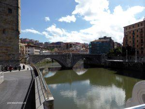 älteste Brücke in Bilbao