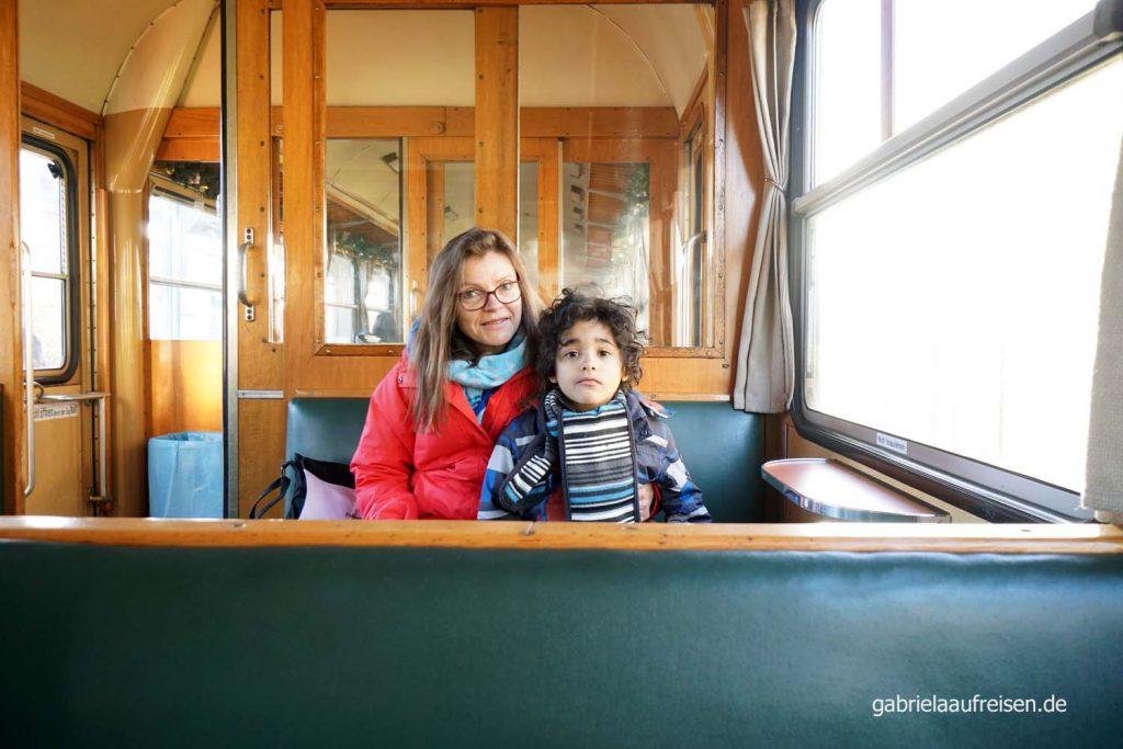 in der Museumsbahn, im Triebwagen von 1955