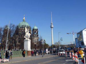 Blick zum Berliner Dom und dem Alex
