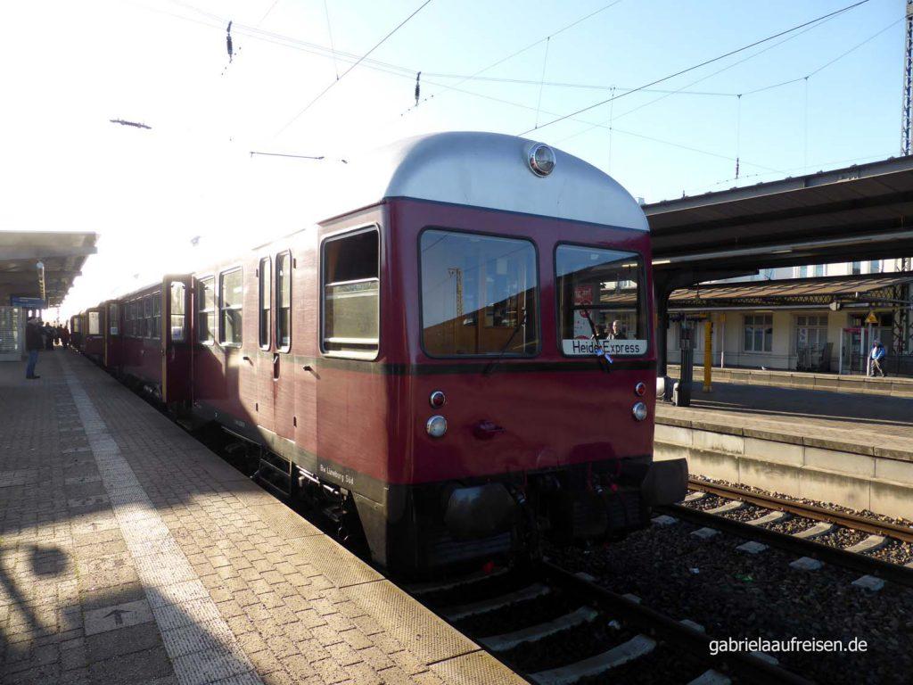 Museumsbahn Heide-Express auf Gleis 4 in Lüneburg