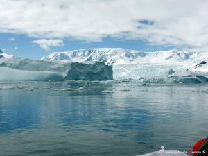 Antarctica, Cierva Cove with huge icebergs