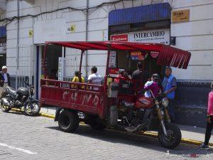 Peru, Arequipa, Lastwagen