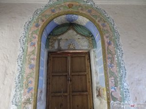 Peru, Arequipa, Santa Catalina, door