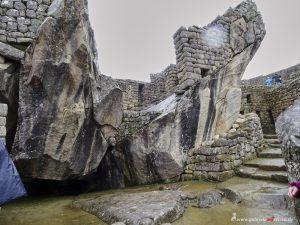 Machu Picchu, Condor temple