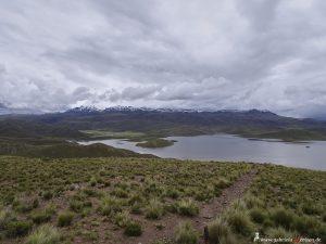 Peru, Blick über die Anden am Lagunas Lagunillas
