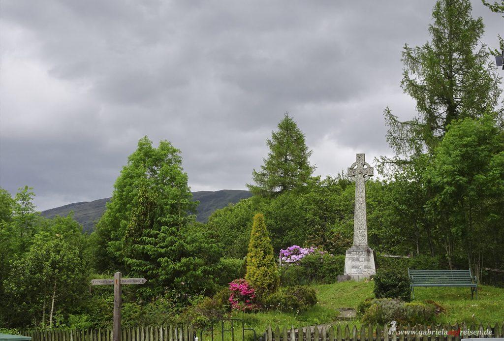 cross in Glencoe
