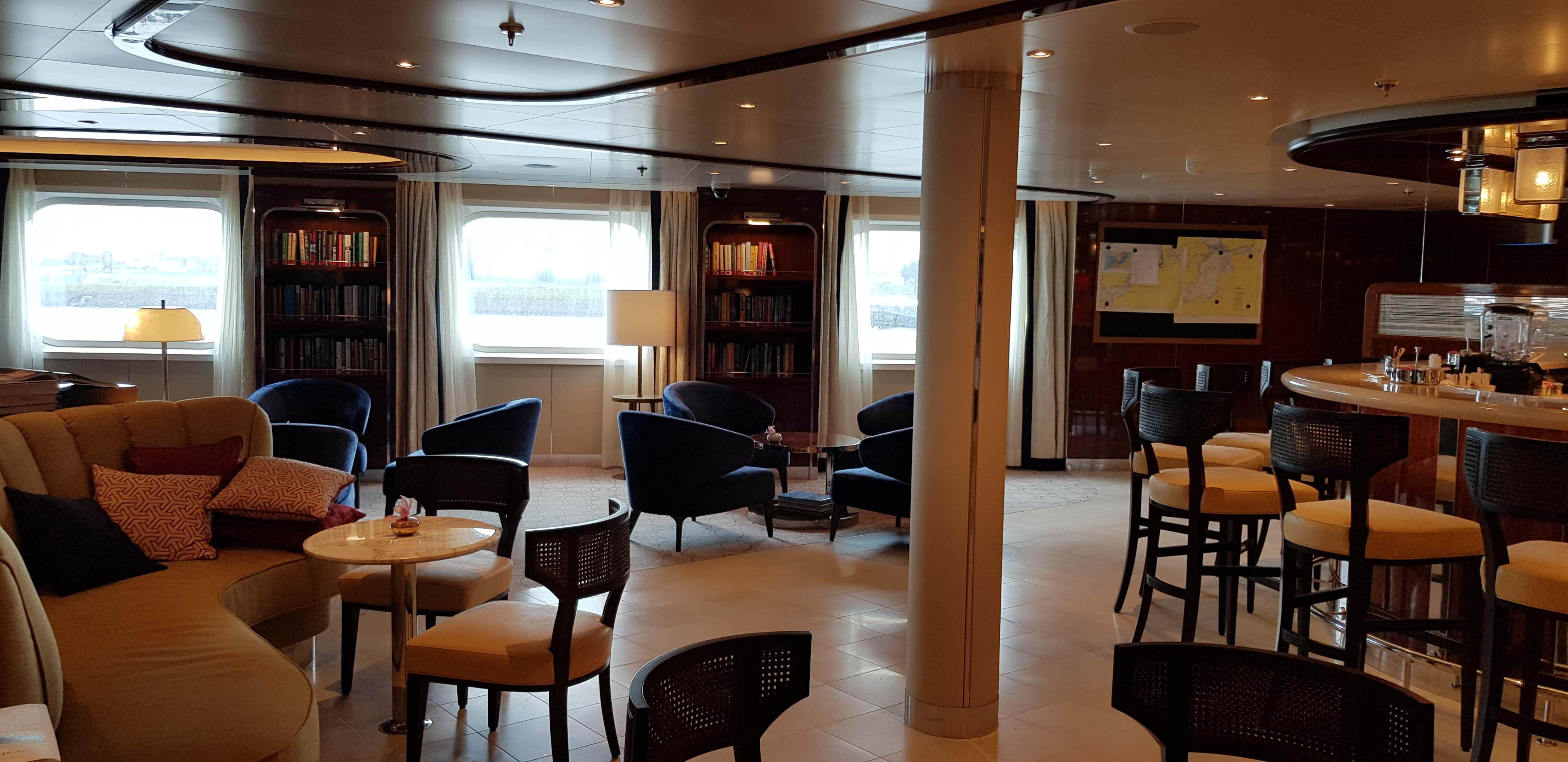 Lounge on Seabourn Ovation