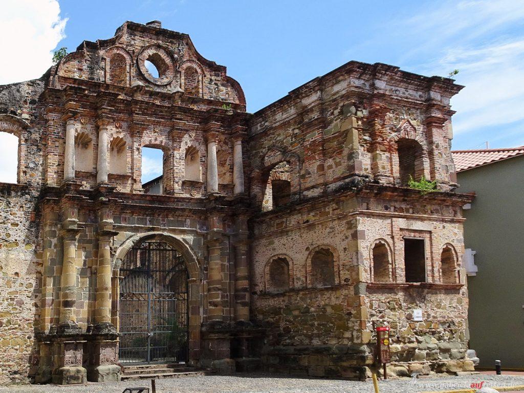 Kirchenruinen in Panama