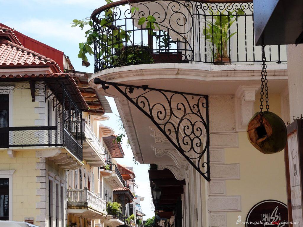 balconies in Panama