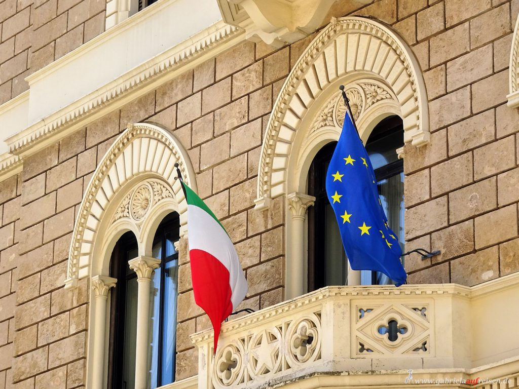 flags of Italy and Europe