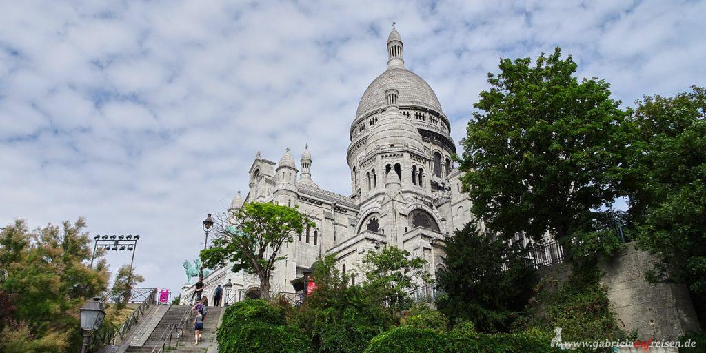 beruehmte-Kirche-in-Paris