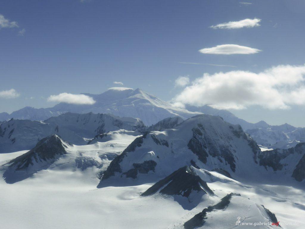 Dieses Bild hat ein leeres Alt-Attribut. Der Dateiname ist Elias-mountains-In-Yukon-1024x768.jpg