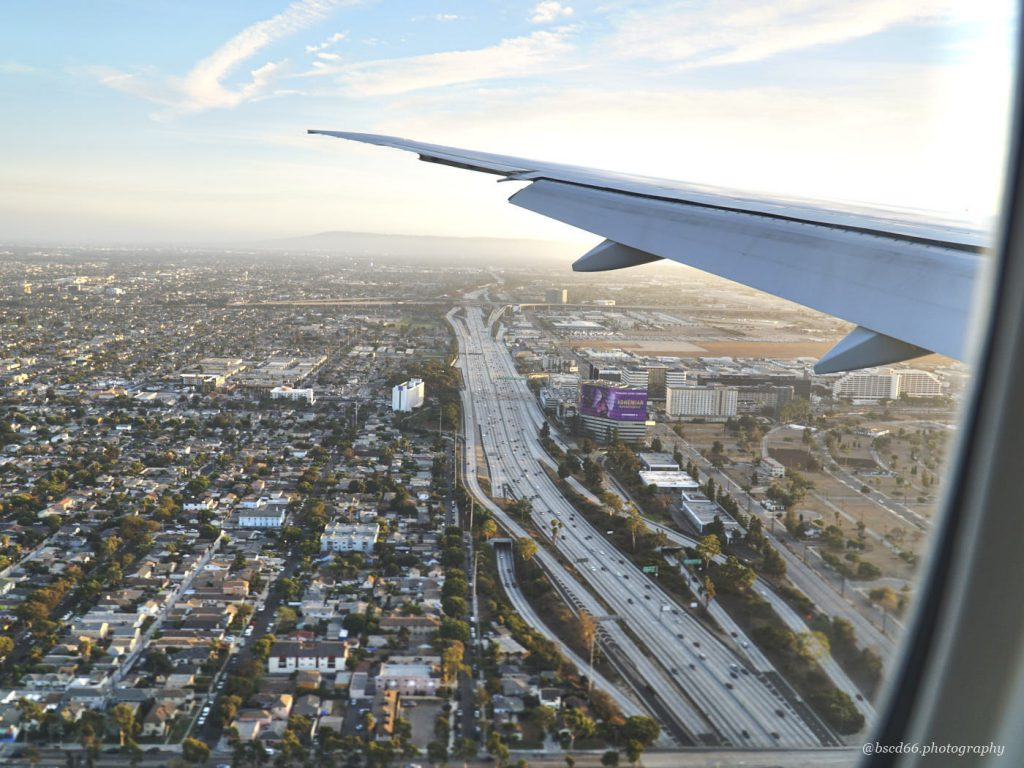 Dieses Bild hat ein leeres Alt-Attribut. Der Dateiname ist Flug-ueber-Los-Angeles-1024x768.jpg