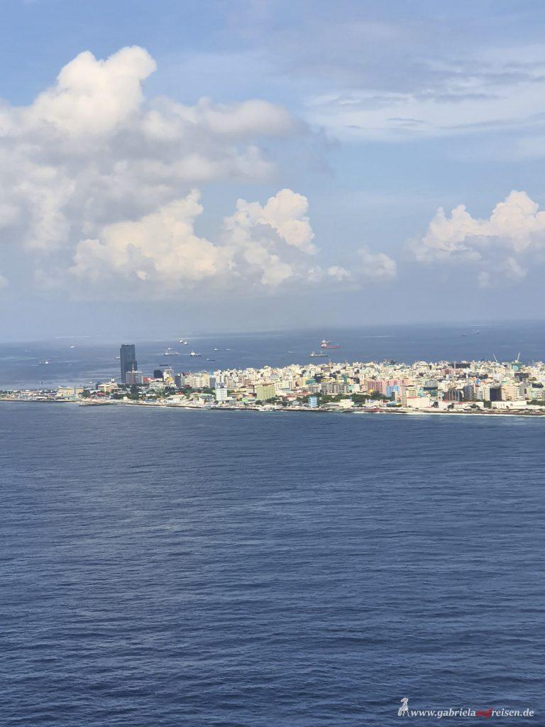 Dieses Bild hat ein leeres Alt-Attribut. Der Dateiname ist Mahe-Maldives-768x1024.jpg