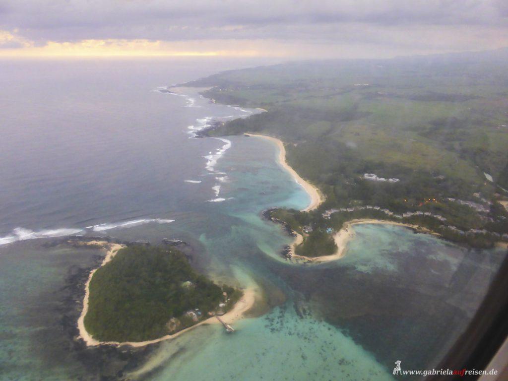 Dieses Bild hat ein leeres Alt-Attribut. Der Dateiname ist Mauritius-from-airplane-1024x768.jpg