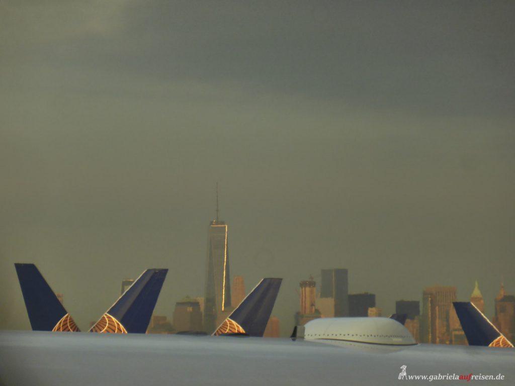 Dieses Bild hat ein leeres Alt-Attribut. Der Dateiname ist Newark-Airport-1024x768.jpg