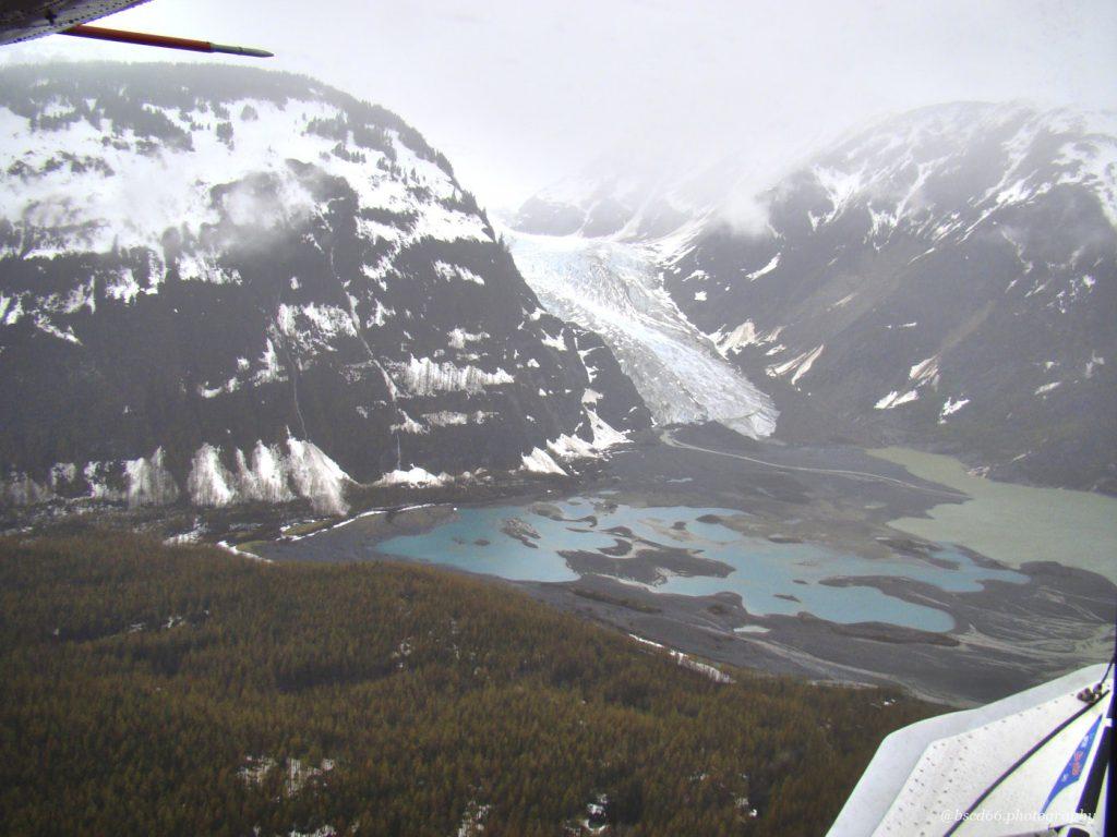 Dieses Bild hat ein leeres Alt-Attribut. Der Dateiname ist flight-from-Skagway-1024x768.jpg