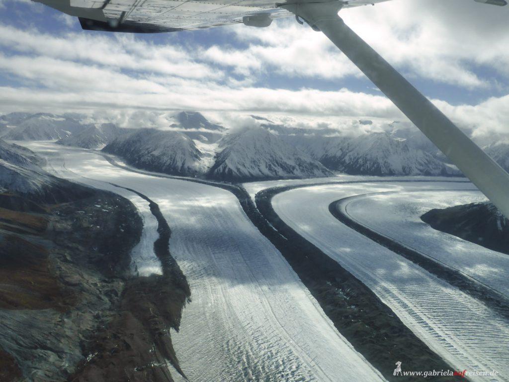 Dieses Bild hat ein leeres Alt-Attribut. Der Dateiname ist glacier-in-Kluane-National-Park-1024x768.jpg