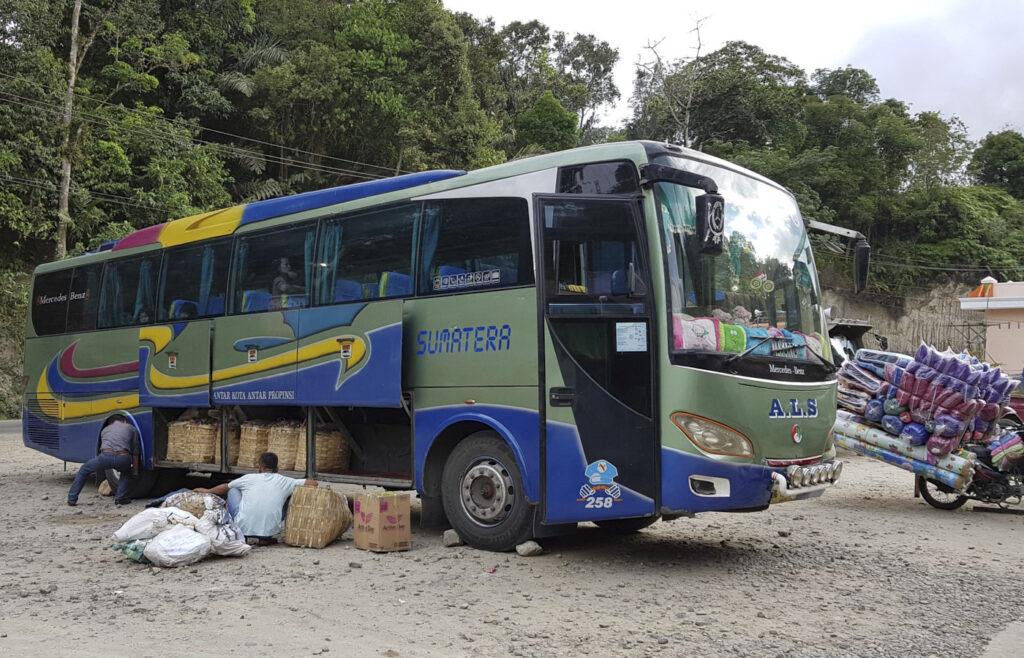 Ueberlandbus