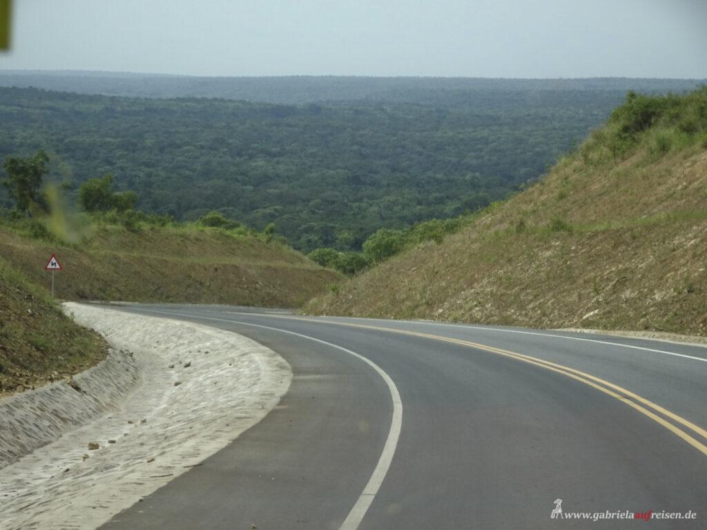 weiter-Ausblick-ueber-Murchison-Falls