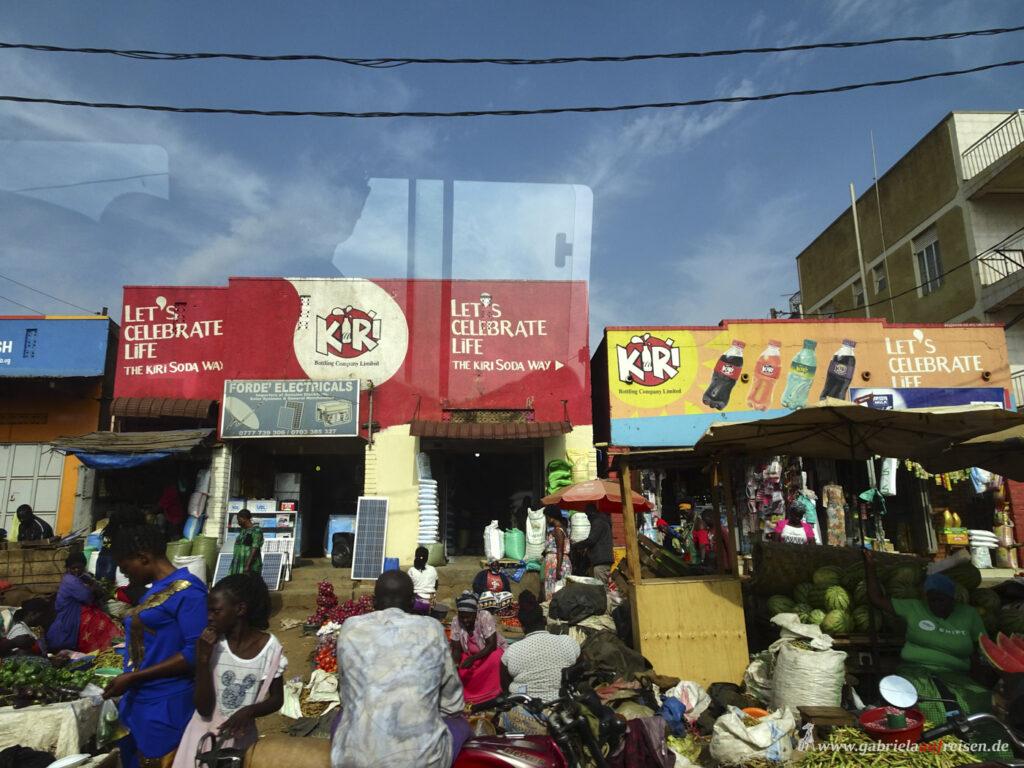 Strassenszene-in-Kampala