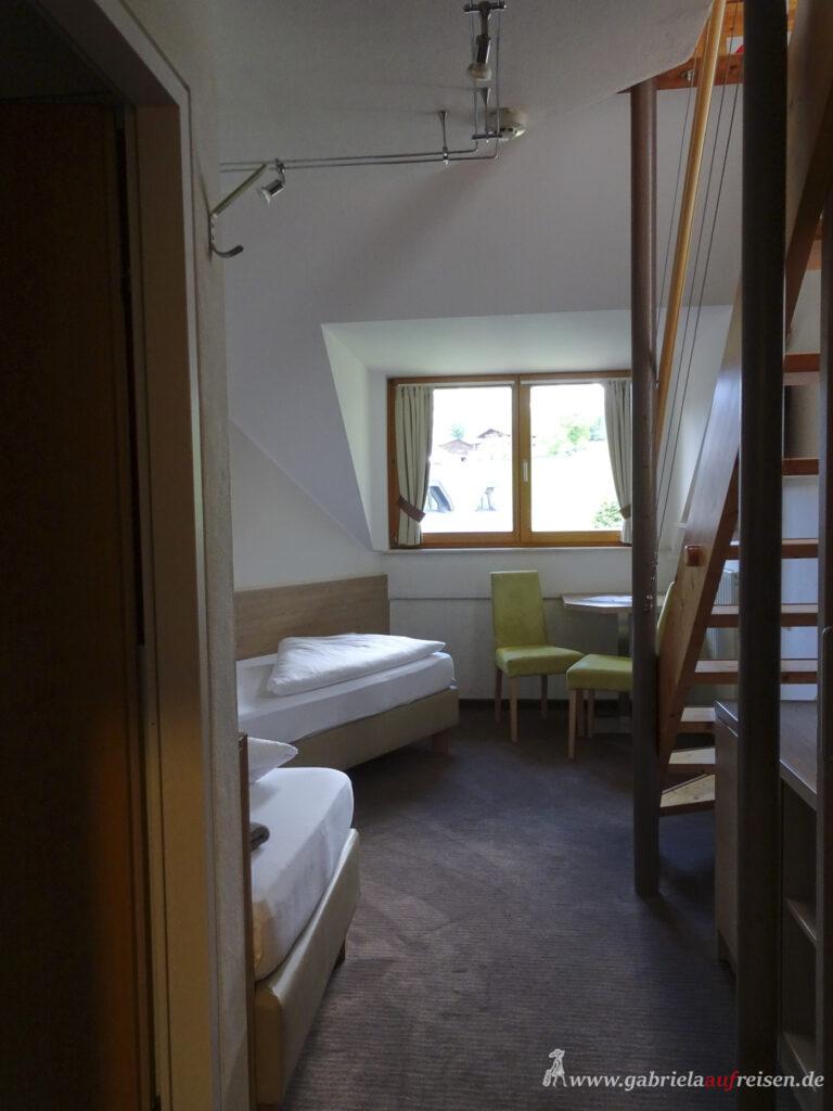 zweigeschossiges-Zimmer