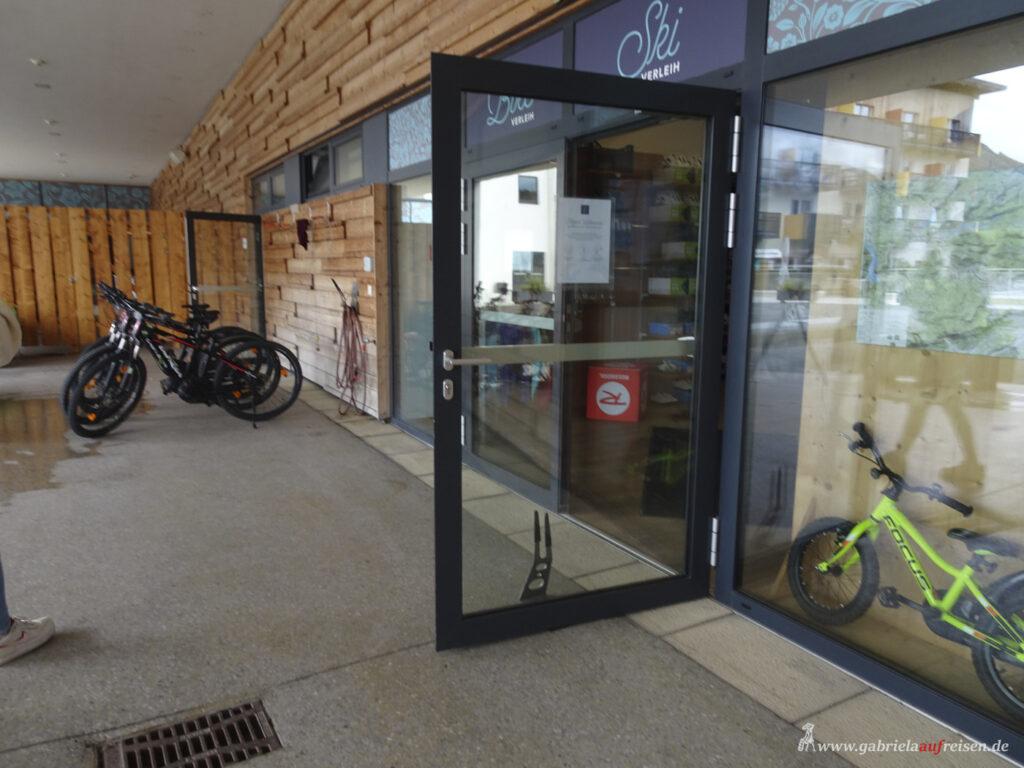Eingang-zum-Bikeshop-imClub-Aldiana-Oesterreich