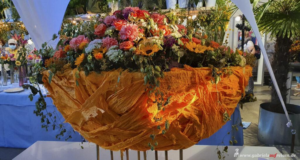 Blumen-in-der-Schale