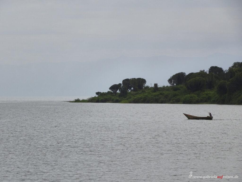 typisches-ugandisches-Fischerboot